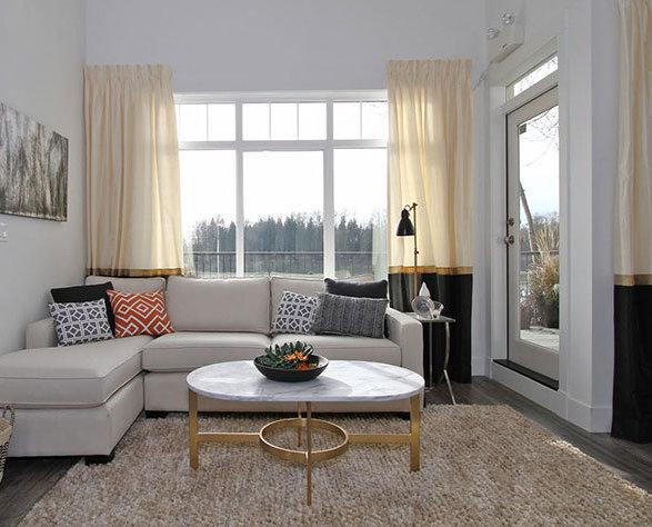 22327 River Road, Maple Ridge, BC V2X 2C5, Canada Living Room!