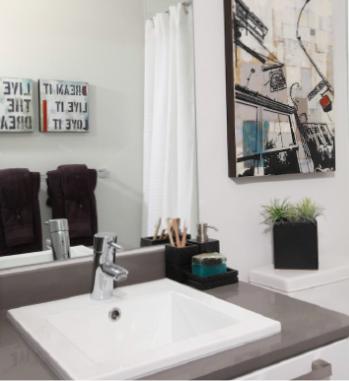 528 Pandora Avenue, Victoria, BC V8W 3G9, Canada Bathroom!