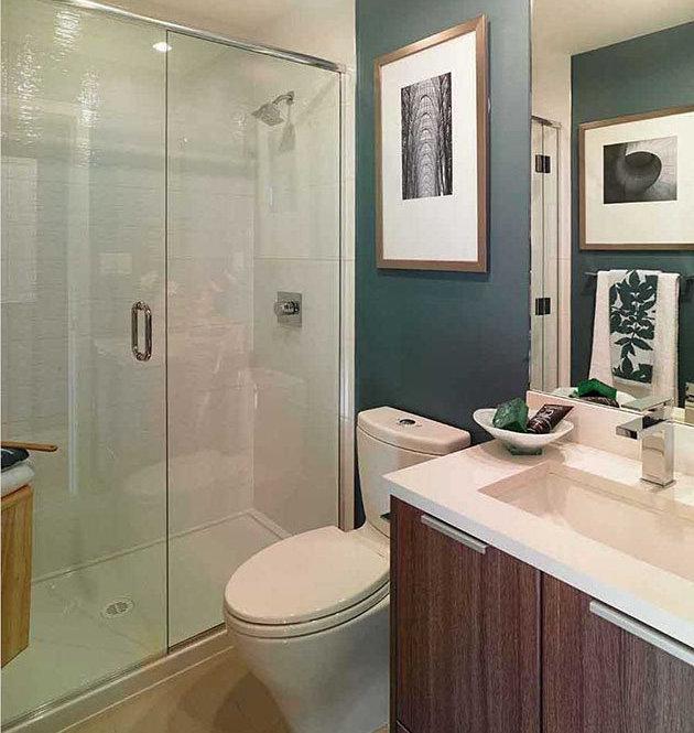 728 Yates St, Victoria, BC V8W 3S2, Canada Bathroom!