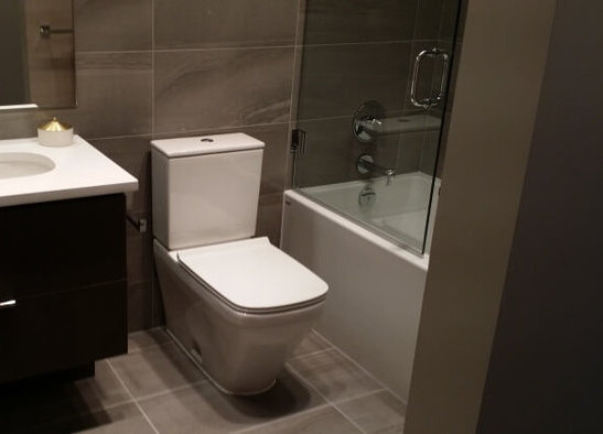 The Spot Display Suite Dark Bathroom!
