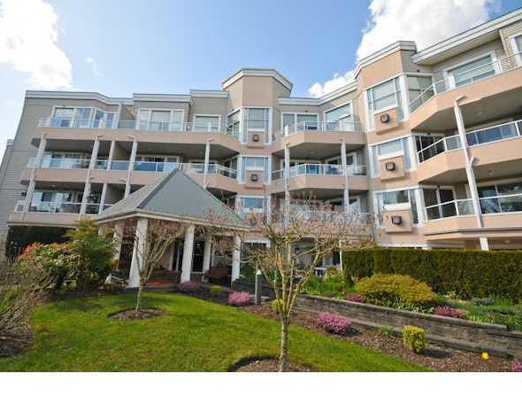 11605 227th Maple Ridge BC Building Exterior!