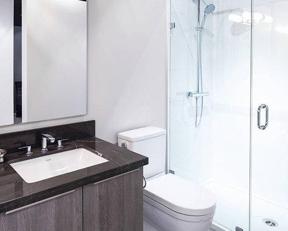 8151 Anderson Road, Richmond, BC V6Y 1S1, Canada Bathroom!