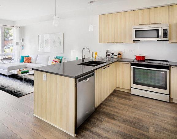 15628 104 Avenue, Surrey, BC V4N 2J3, Canada Kitchen!