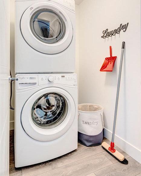 15628 104 Avenue, Surrey, BC V4N 2J3, Canada Laundry Area!