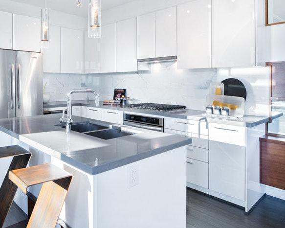 3400 Devonshire Avenue, Coquitlam, BC V3E 0B2, Canada Kitchen!