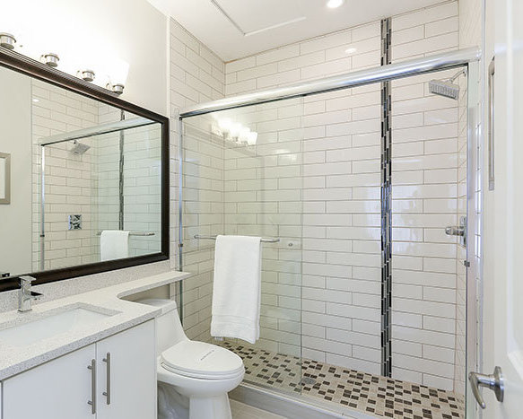 1935 Manning Avenue, Port Coquitlam, BC V3B 1L3, Canada Bathroom!