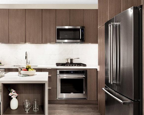535 North Rd, Coquitlam, BC V3J 1N7, Canada Kitchen!