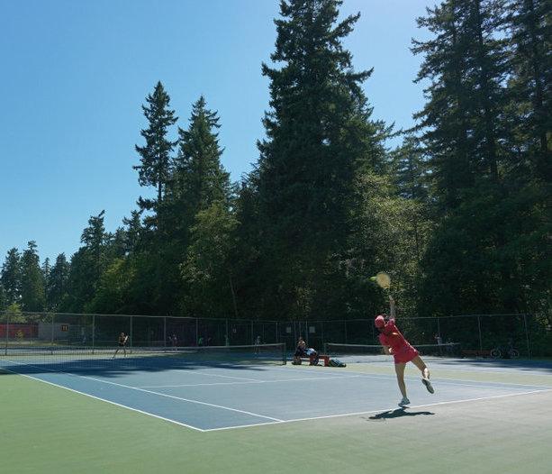 Near By Tennis!