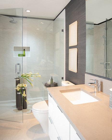 6638 Dunblane Avenue, Burnaby, BC V5H 3M2, Canada Bathroom!