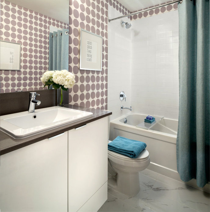 Display Suite Main Bathroom!