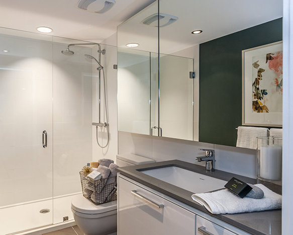 680 Seylynn Crescent, North Vancouver, BC V7J, Canada Bathroom!