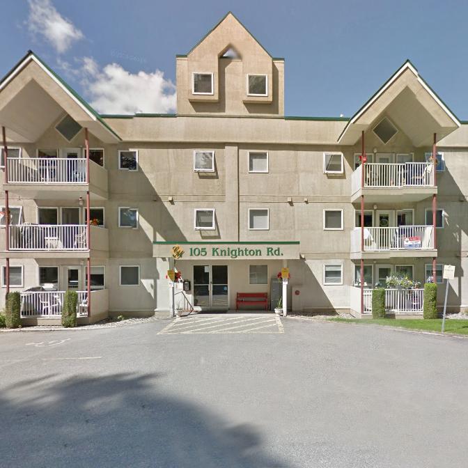 Collete Manor - 105 Knighton Kimberley BC!