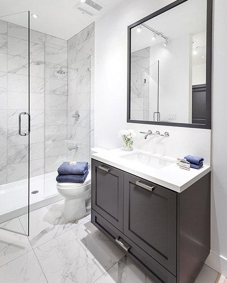 5805 Wales St, Vancouver, BC V5R 3N5, Canada Bathroom!