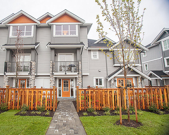 20856 76 Ave, Langley, BC V2Y 0S7, Canada Exterior!