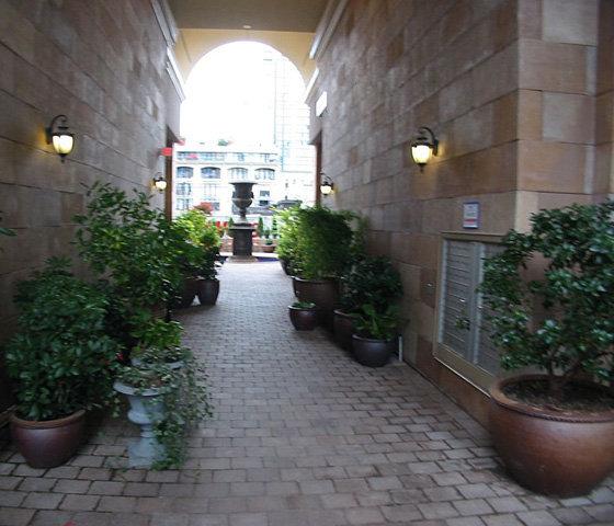 Breeze Way To Courtyard!