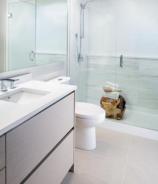 8850 University Crescent, Burnaby, BC V5A, Canada Bathroom!