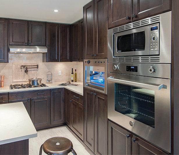 4721 Hastings Street, Burnaby, BC V5C 2H5, Canada Kitchen!