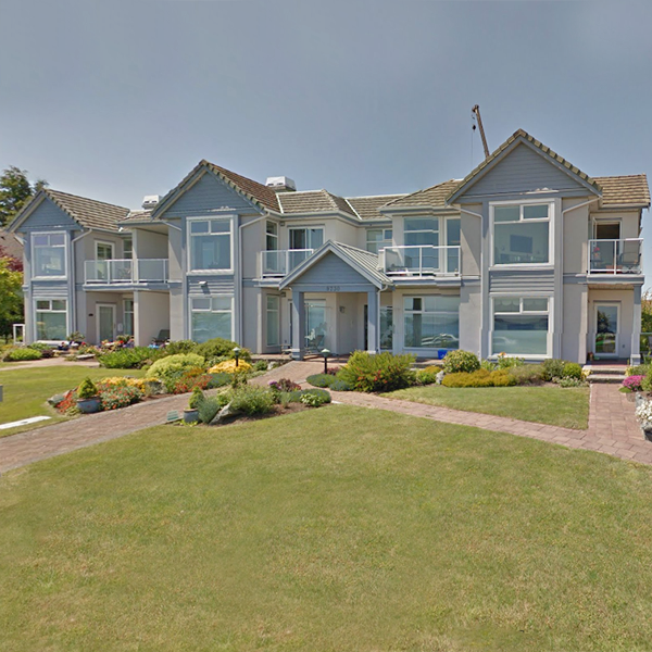 East View Manor - 9730 Eastview Drive, Sidney, BC - Building exterior!