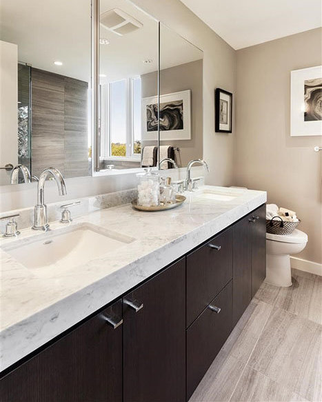 908 Keith Rd, West Vancouver, BC V7T 1M3, Canada Bathroom!