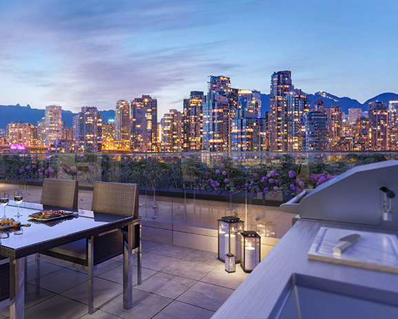 1107 W 7th Ave, Vancouver, BC V6H 1B5, Canada Rooftop Deck!