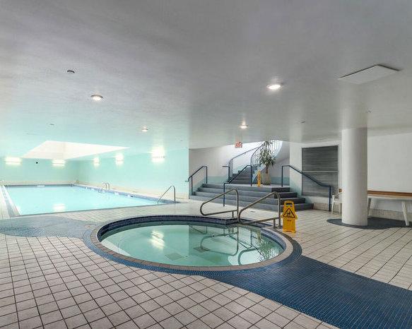 Pool and Hot Tub!
