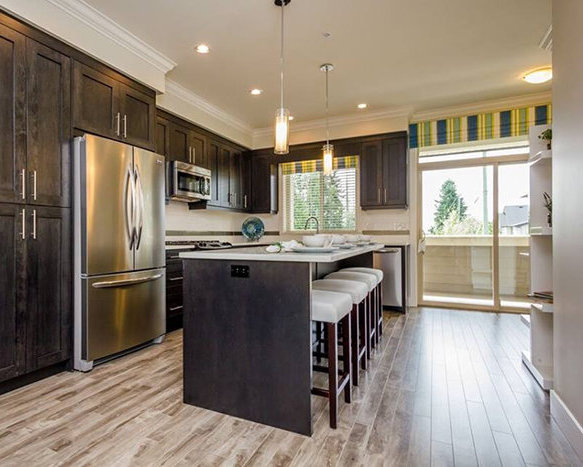 19913 70 Ave, Langley, BC V2Y 3A8, Canada Kitchen!