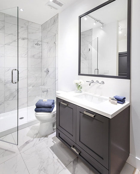 188 Wood St, New Westminster, BC V3M 5A4, Canada Bathroom!
