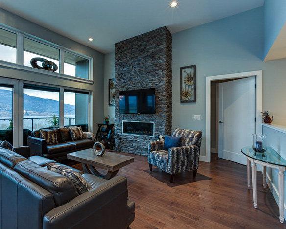 501 Skaha Hills Dr, Penticton, BC V2A 0A9, Canada Living Area!