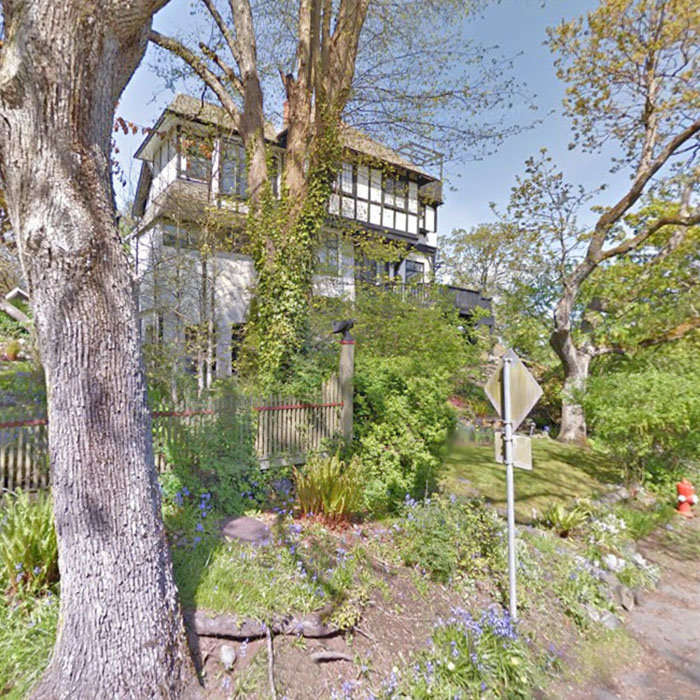 1012 Terrace Avenue, Victoria, BC V8S 3V3, Canada Street View!