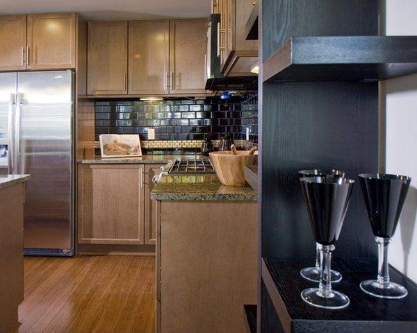 1035 Sutlej St, Victoria, BC V8V 2V9, Canada Kitchen!