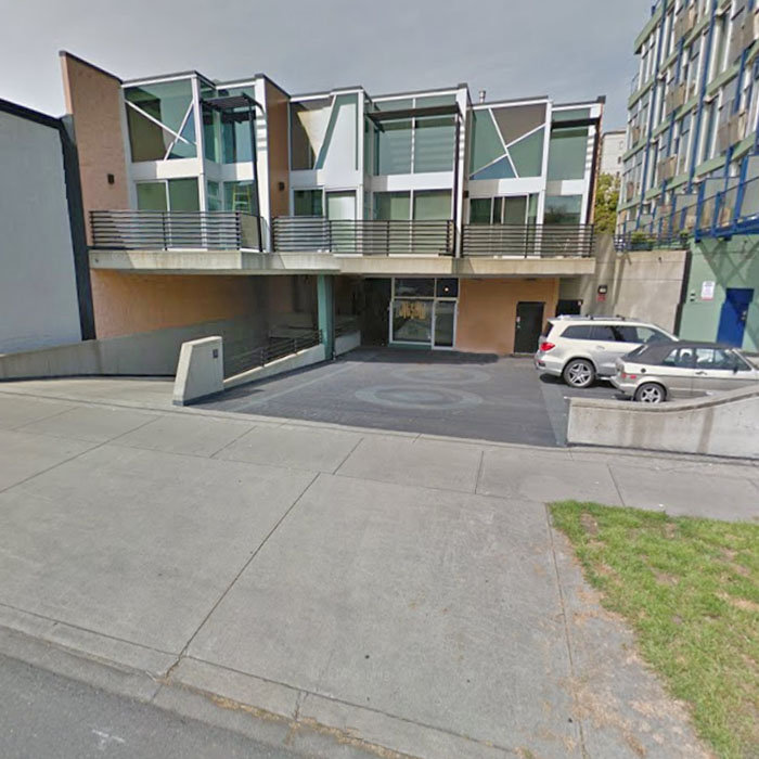 1030 Meares Street, Victoria, BC V8V 5A5, Canada Street View!