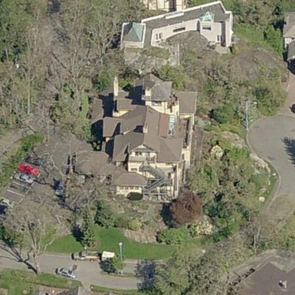 Bowser Manor - 1001 Terrace Avenue, Victoria, BC!