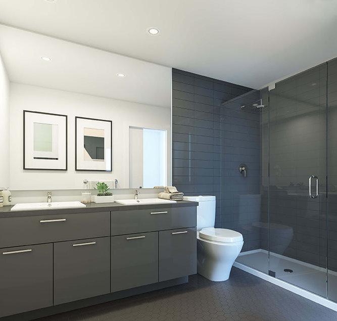 711 W 14th St, North Vancouver, BC V7M 3E8, Canada Bathroom!