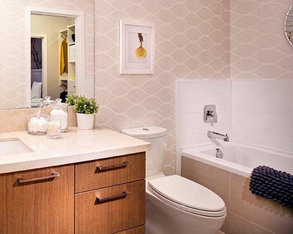 28 E Royal Ave, New Westminster, BC V3L, Canada Bathroom!