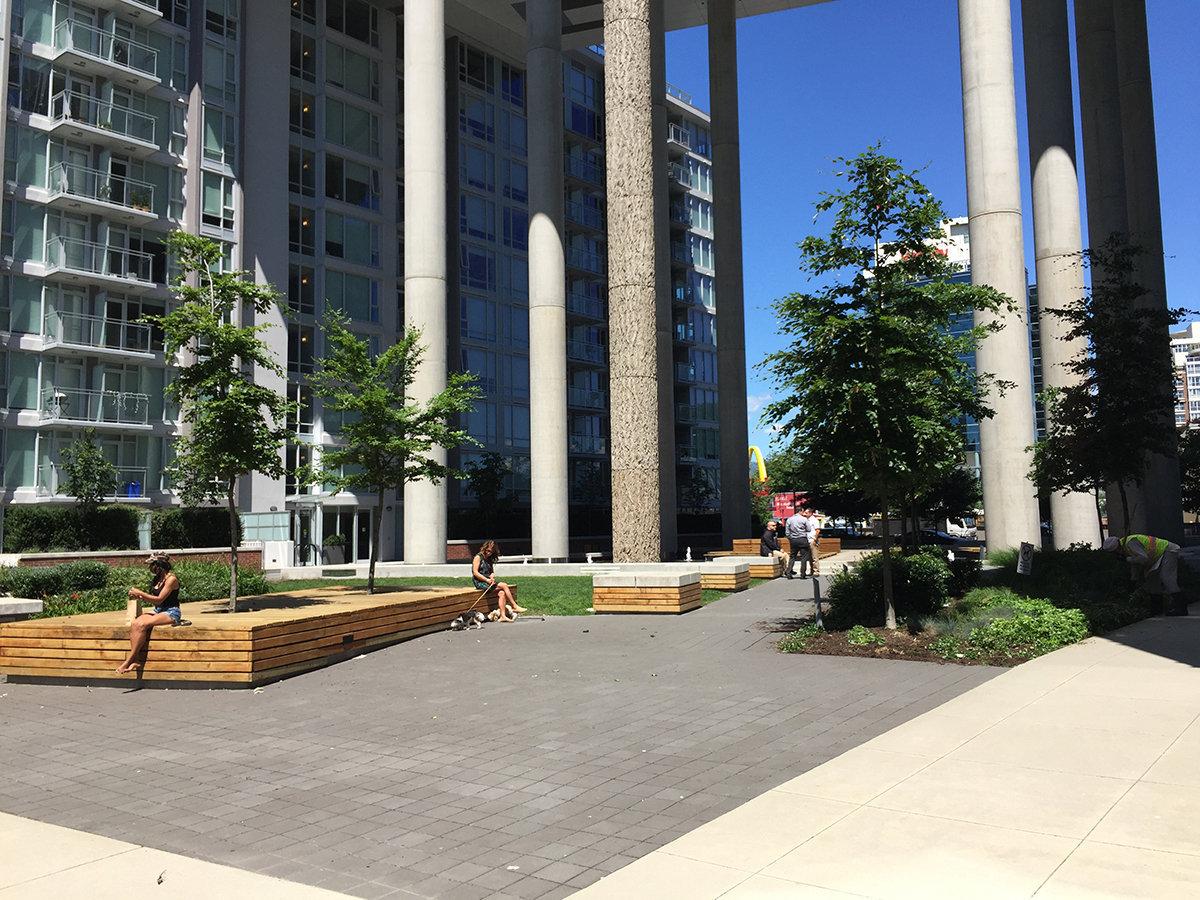 Central 1618 Quebec Courtyard!