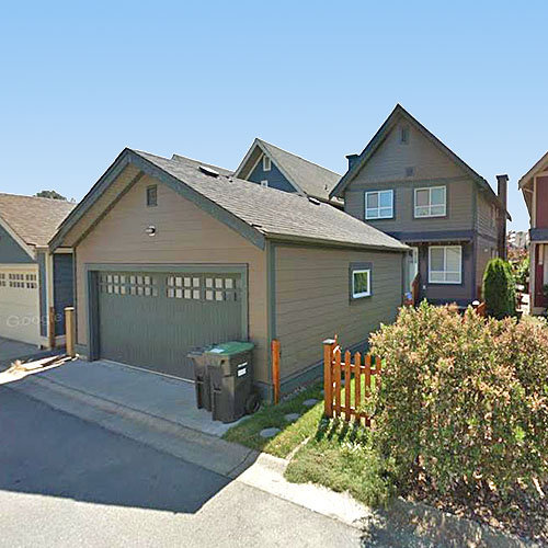 221 Holly Avenue, New Westminster, BC!