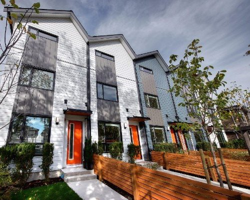 503 E 44th Ave, Vancouver, BC V5W 1W4, Canada Exterior!