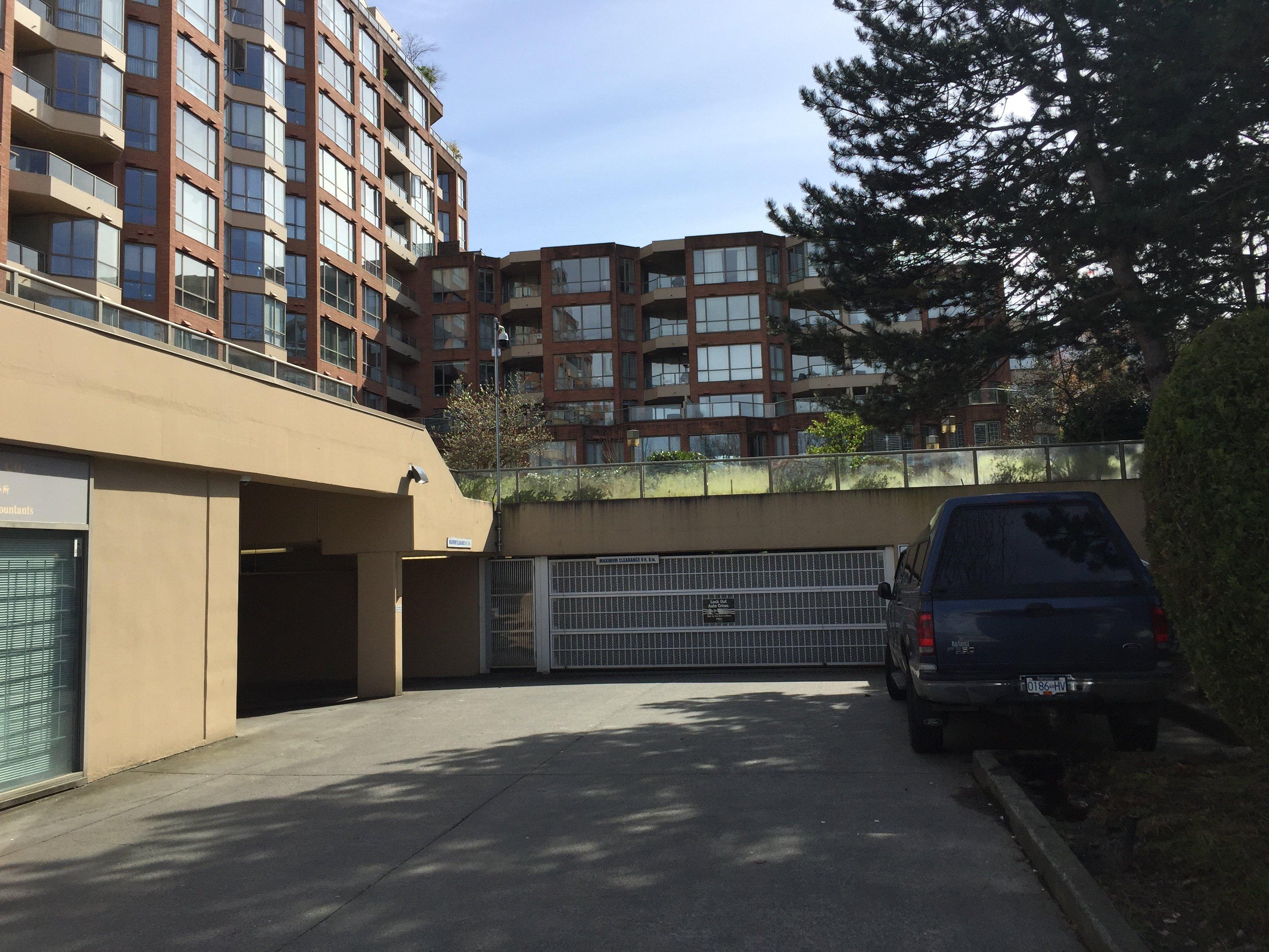 2201 Pine Underground Parking!