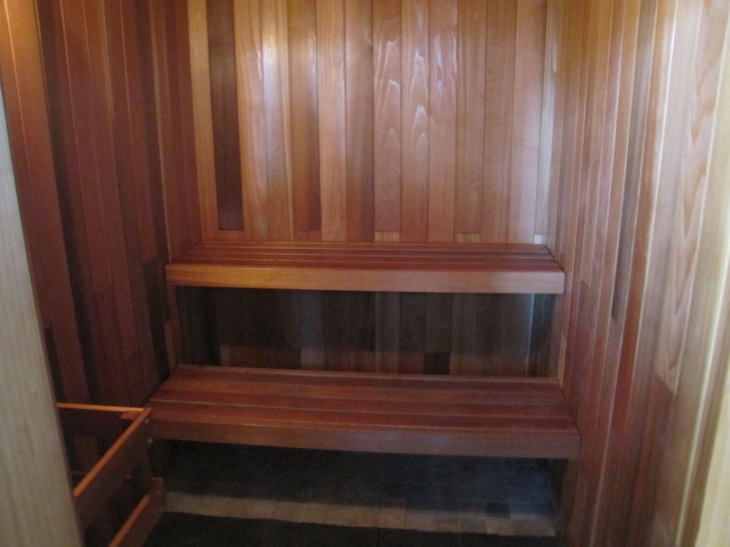 1280 Richards Sauna!