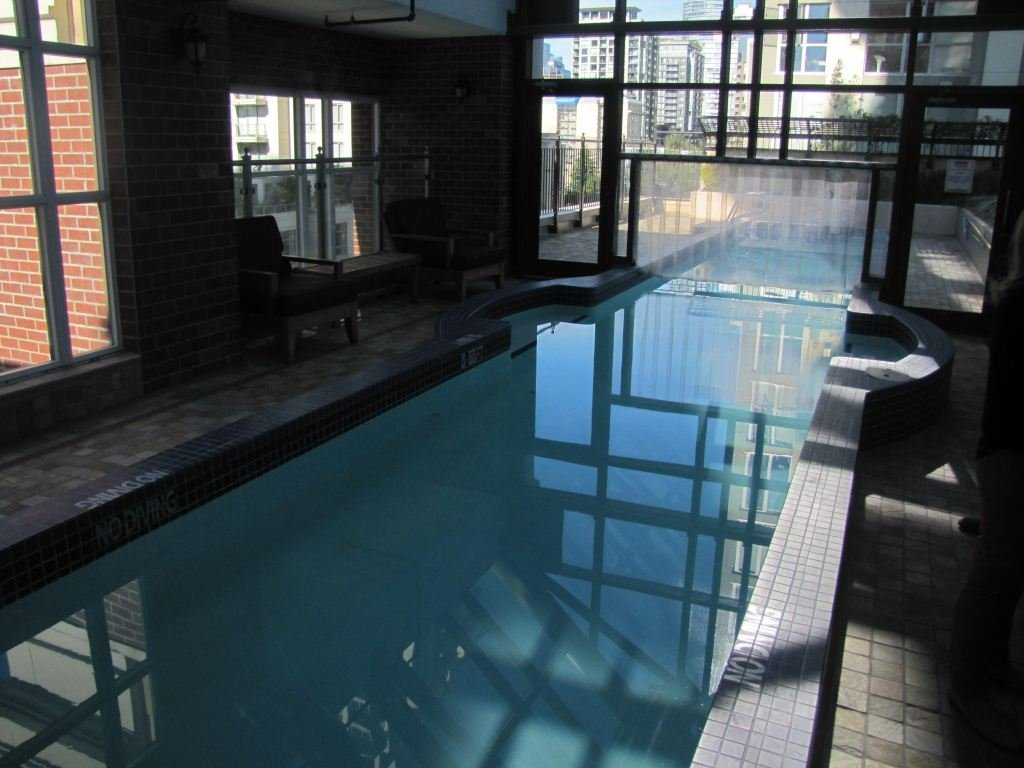 1280 Richards Lap Pool Indoor/Outdoor!