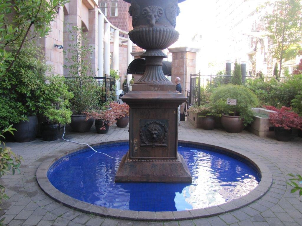 1280 Richards Courtyard Foutain!