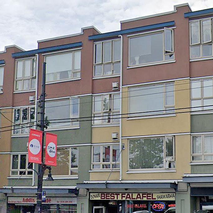 La Casa - 1688 East 4th Avenue!