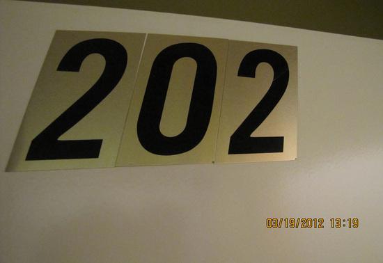 suite202.jpg!