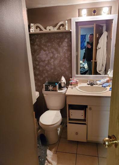 suitebathroom.jpg!
