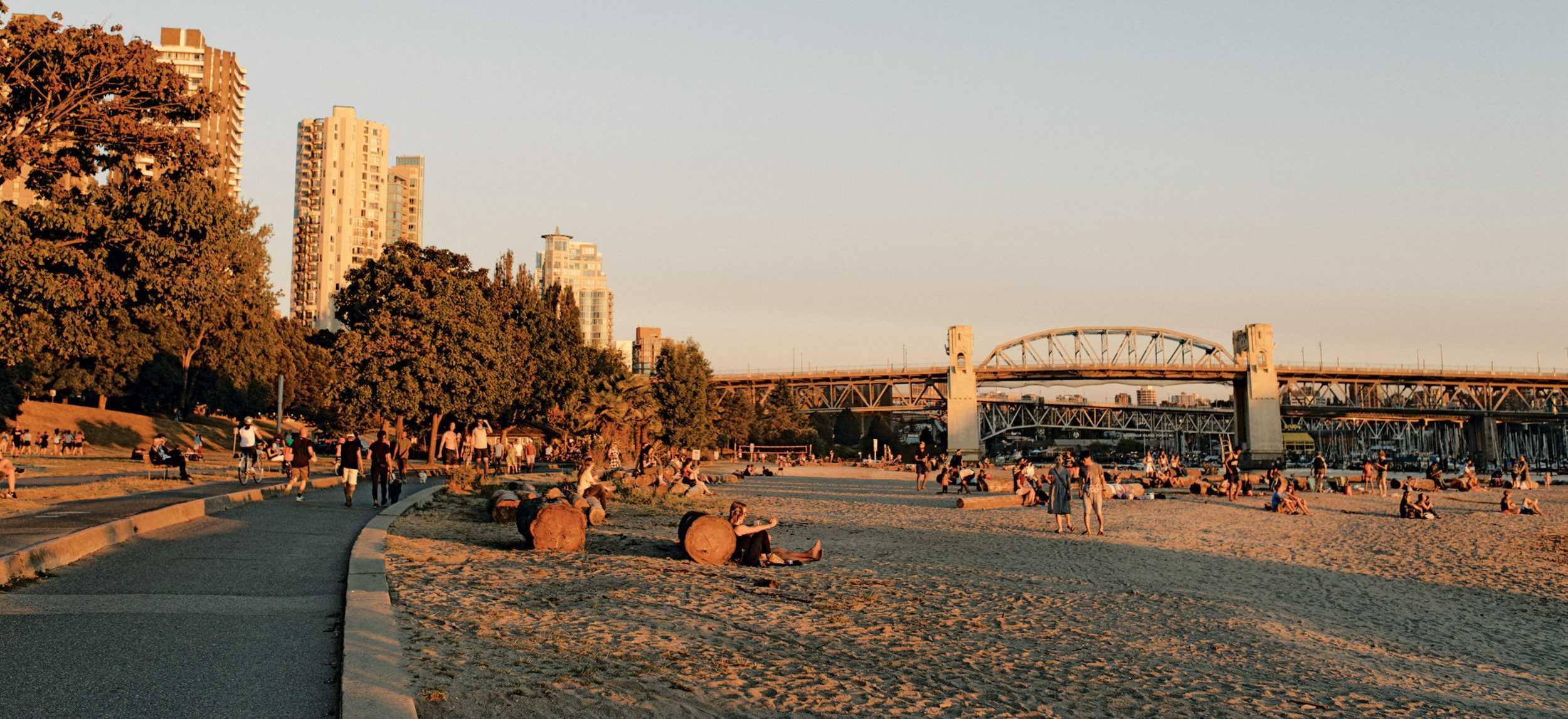 sunset_beach_ten_minutes2500x1666.jpg!