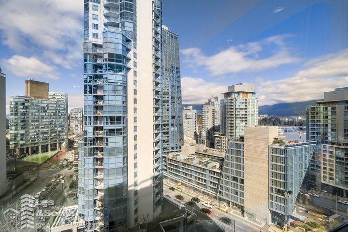 # 1015 1333 W GEORGIA STREET, Vancouver